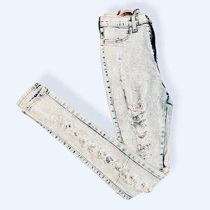 Akira Light wash highwaist distressed ripped jeans